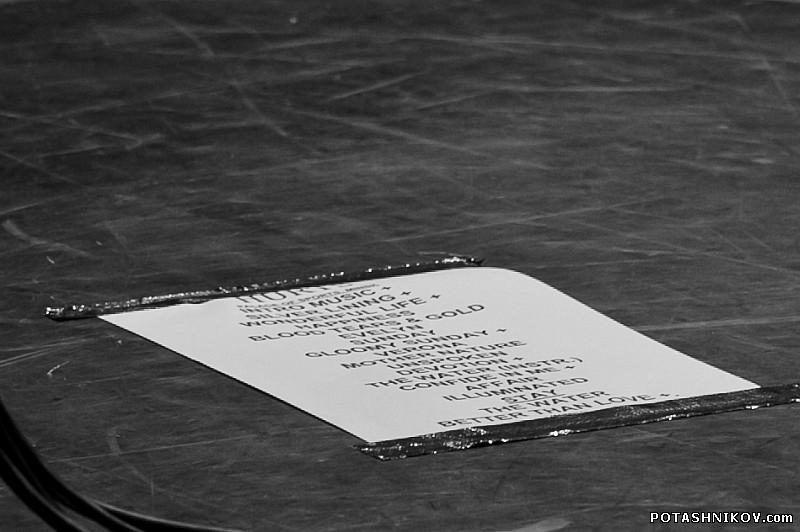 Фоторепортаж с концерта английской группы HURTS (Хертс) в Минском дворце спорта.